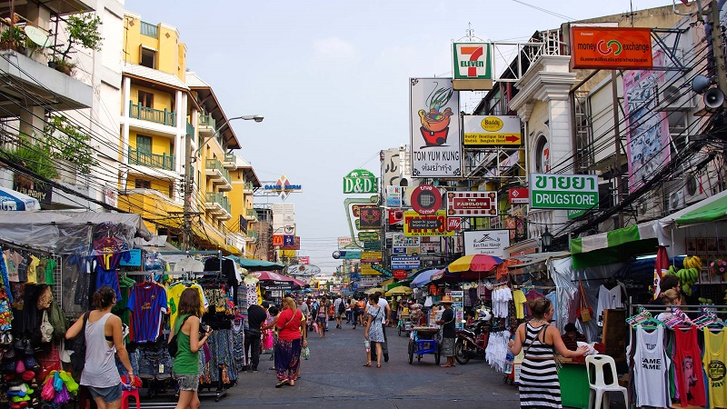 Backpackers in Bangkok