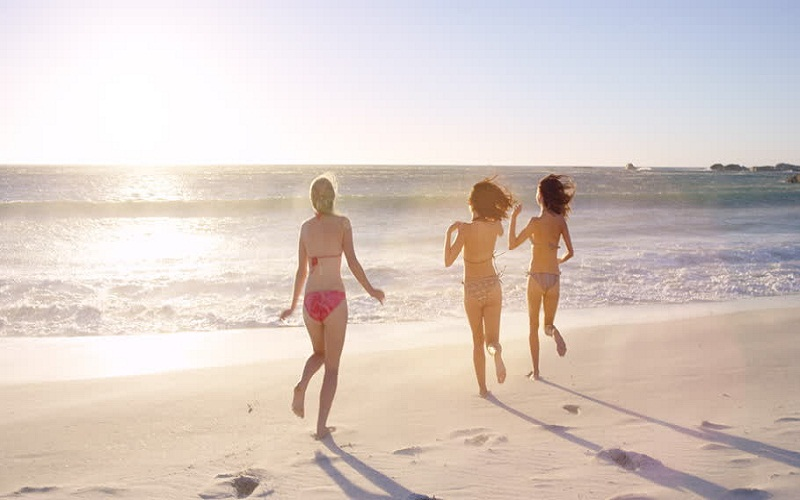 discover beaches to go with children