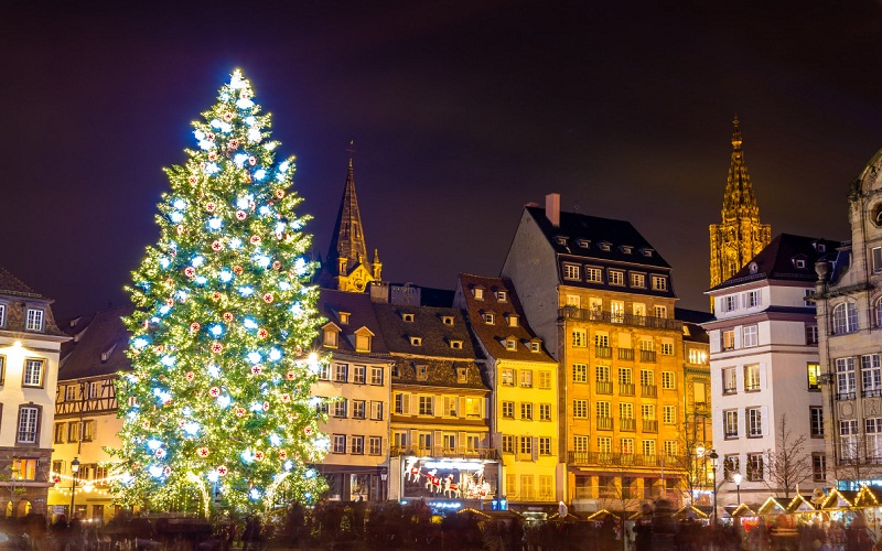 Hotels with the most spectacular Christmas trees