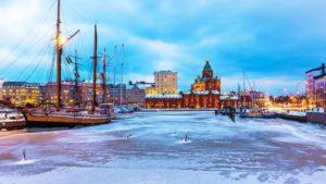 Honeymoon in Finland: sleep in an igloo under the Northern Lights