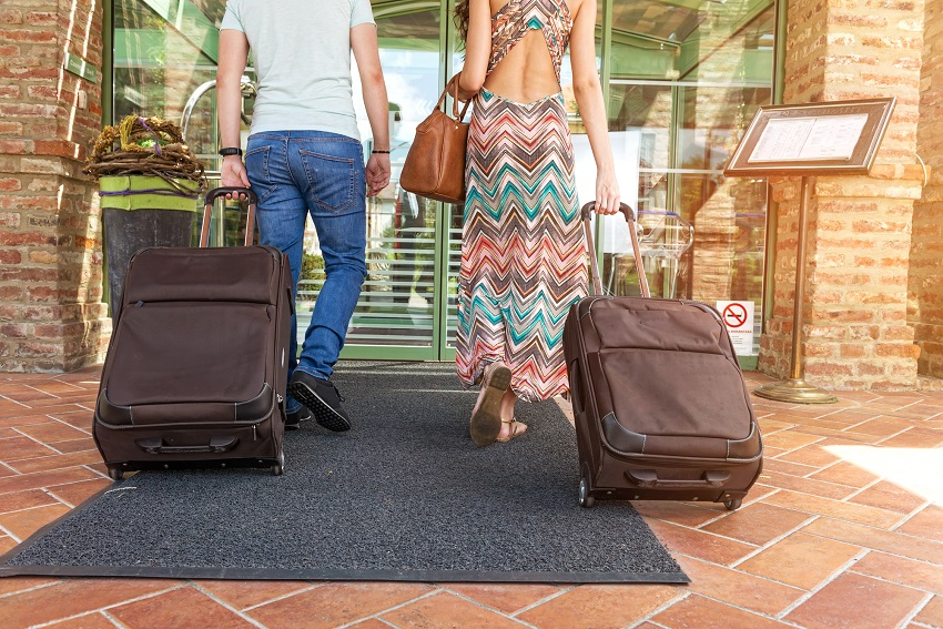 5 things to leave at home during the honeymoon