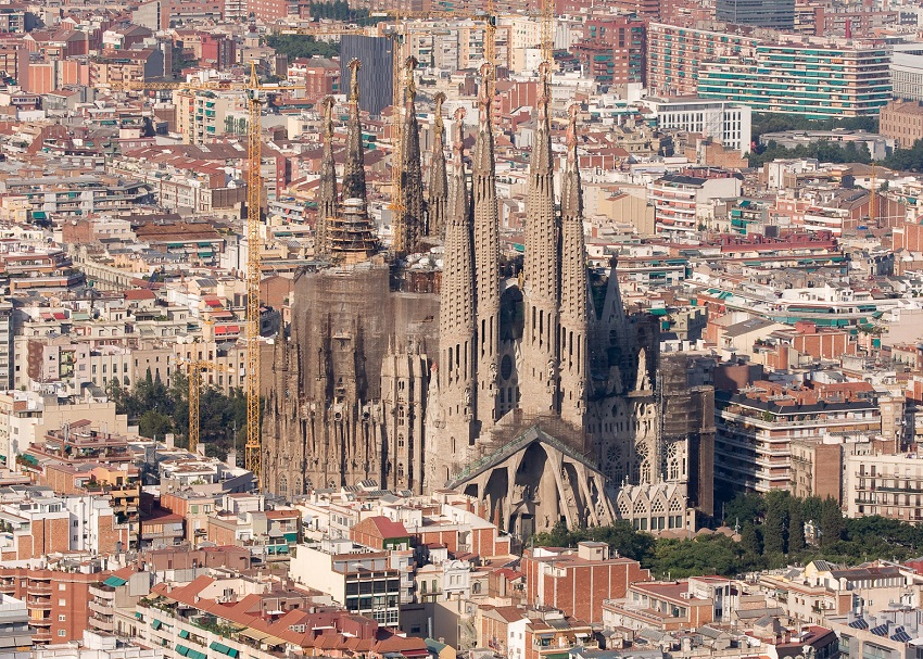 Honeymoon in Barcelona and Costa Brava tours