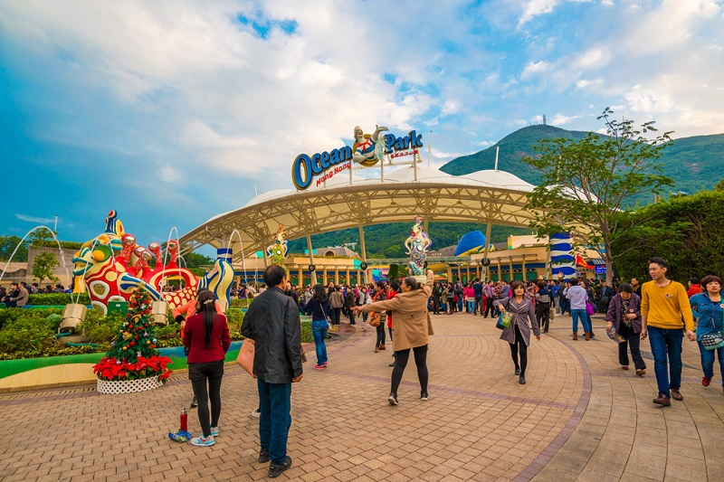 Top 10 Amusement Parks In The World