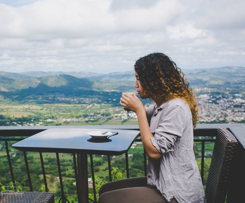 4 alternatives for your first trip alone
