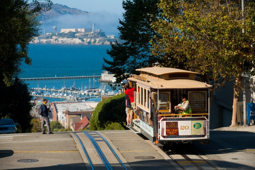 5 romantic activities for a California honeymoon
