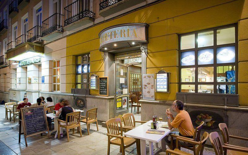 the best tapas bars in Granada