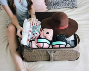 Beauty kit: what to pack for a honeymoon trip to the sea?