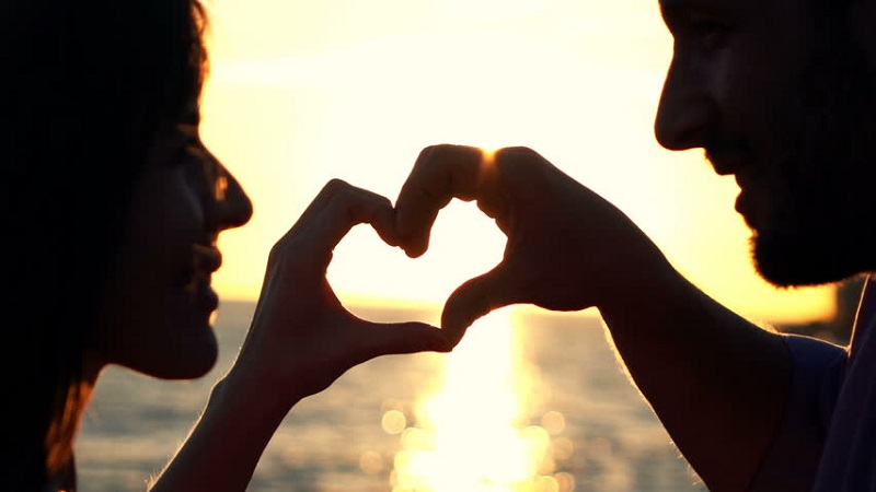 http://looneynature.com/6-suggestions-for-romantic-activities-to-do-during-the-honeymoon/